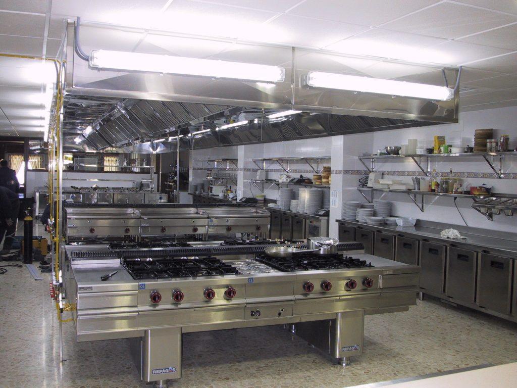 La importancia de limpiar y desinfectar ambisist - Cocinas industriales segunda mano ...